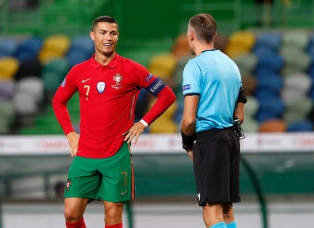 Biệt thự của Ronaldo bị trộm viếng, mất món đồ... lạ - ảnh 1