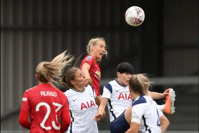 Hạ Tottenham, MU lần đầu lên ngôi đầu bảng bóng đá Anh - ảnh 2