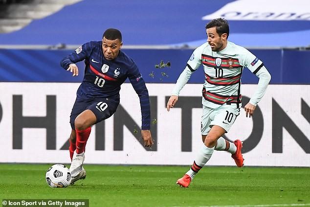 Hai nhà vô địch Pháp và Bồ Đào Nha chia điểm, Ý hòa nhạt - ảnh 3