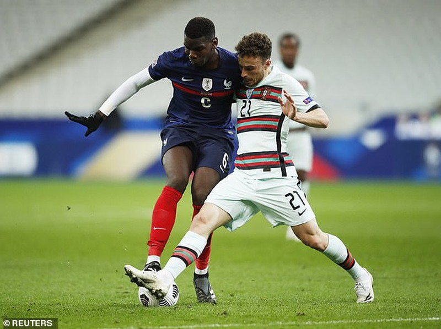 Hai nhà vô địch Pháp và Bồ Đào Nha chia điểm, Ý hòa nhạt - ảnh 2