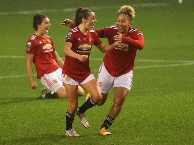 Hạ gục Arsenal vô đối, MU lên ngôi đầu bảng bóng đá Anh - ảnh 2