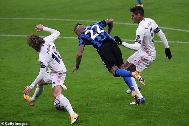 Real Madrid thoát hiểm, Bayern Munich giành vé sớm - ảnh 1