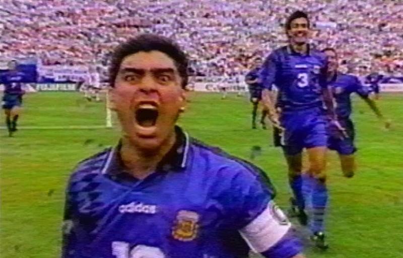 Chiến tranh và hòa bình giữa Maradona và Pele - ảnh 1