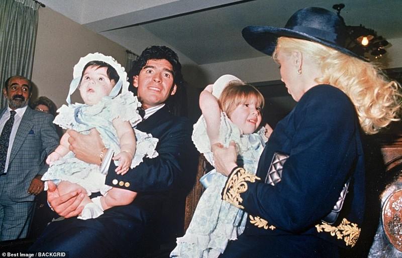 Cuộc đời và sự nghiệp phi thường của Diego Maradona - ảnh 2
