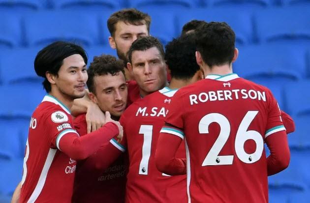 Bị gỡ phút 90+3 vì VAR, Liverpool vẫn lên đỉnh Premier League - ảnh 7