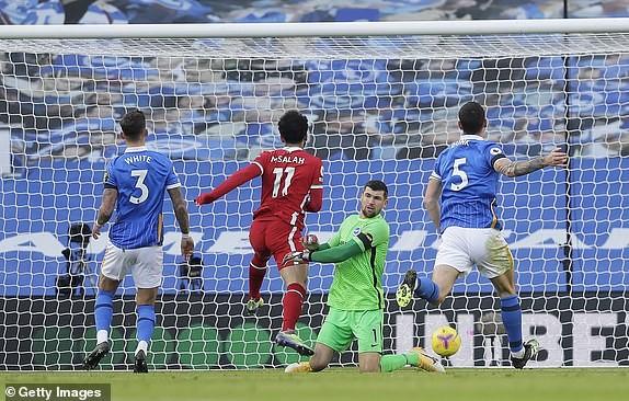 Bị gỡ phút 90+3 vì VAR, Liverpool vẫn lên đỉnh Premier League - ảnh 3