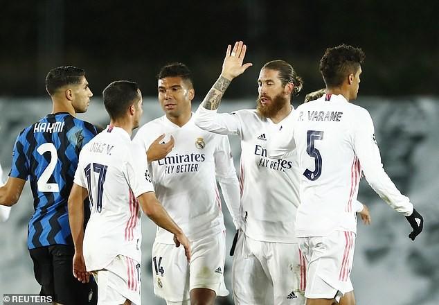 Vì sao Ramos tổ chức họp khẩn mà không có Zidane? - ảnh 1
