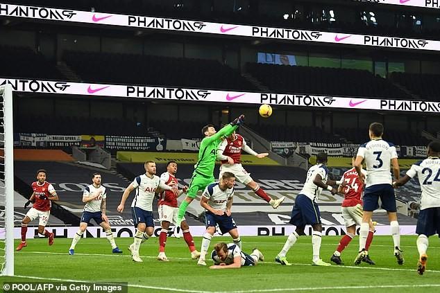 Son, Kane rực sáng, Tottenham hạ Arsenal lấy lại ngôi đầu - ảnh 4
