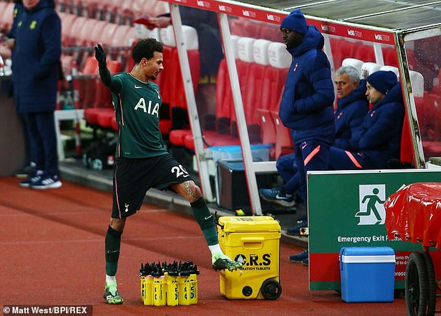Jose Mourinho: Tôi rất buồn - ảnh 2