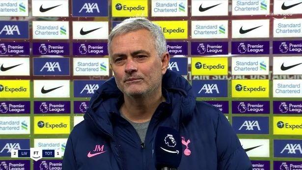 Mourinho bỗng dưng cà khịa sao MU - ảnh 2