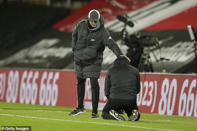 HLV Southampton quỵ gối khóc sau trận thắng lịch sử Liverpool - ảnh 2