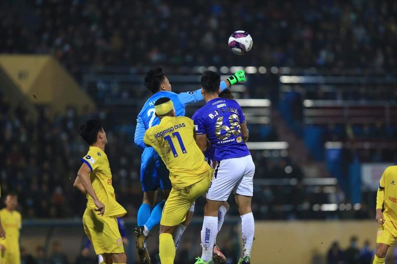 Thiên Trường 'dậy sóng' ngày khai mạc V-League 2021 - ảnh 2