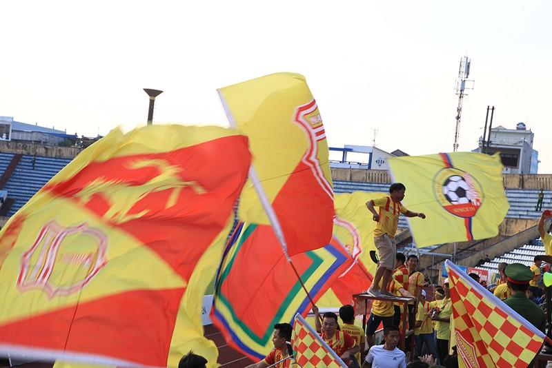 Thiên Trường 'dậy sóng' ngày khai mạc V-League 2021 - ảnh 8