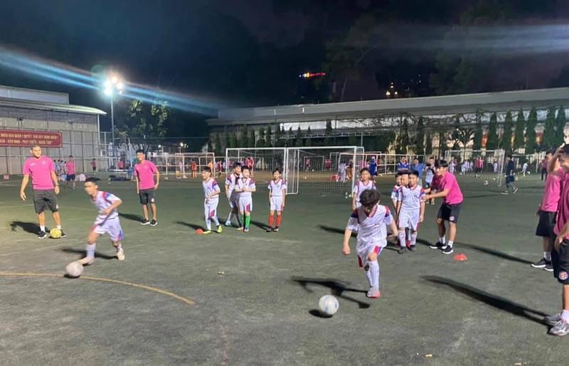 Hành động đẹp ngoài sân bóng của CLB Sài Gòn - ảnh 2