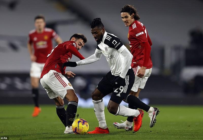 Người hùng Pogba giúp MU trở lại đỉnh Premier League - ảnh 4