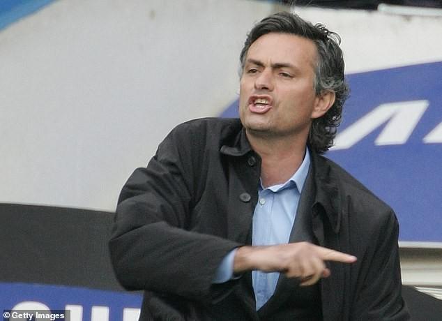 Liverpool đứt mạch bất bại, Mourinho tự nâng tầm bản thân - ảnh 3