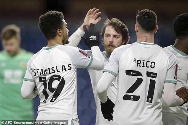 MU, Man City gặp khó ở tứ kết FA Cup - ảnh 2