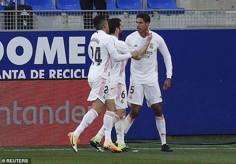 Real Madrid chi 300.000 euro để thắng Barcelona - ảnh 1