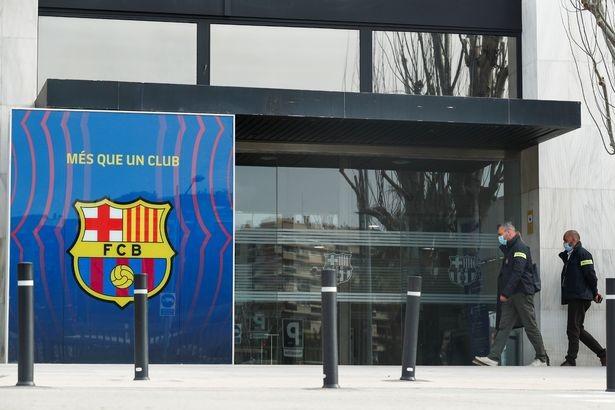 Hỗn loạn ở Barcelona - ảnh 1