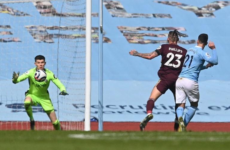 Địa chấn ở Etihad, Man City thua sốc 10 người của Leeds - ảnh 4
