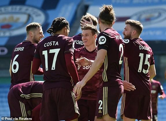 Địa chấn ở Etihad, Man City thua sốc 10 người của Leeds - ảnh 6