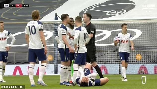 Tottenham thua MU, Son Heung-min chực khóc nói lời xin lỗi - ảnh 2