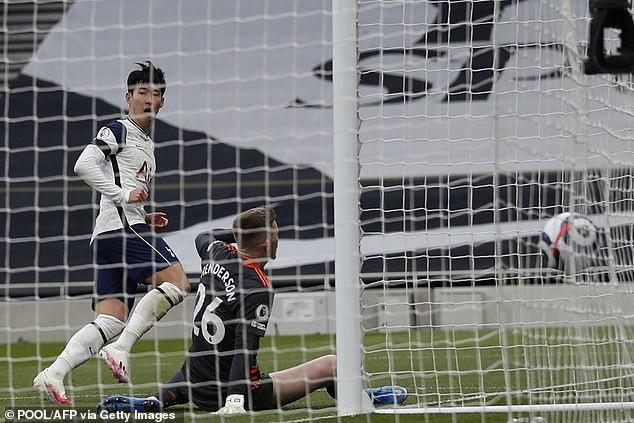 Tottenham thua MU, Son Heung-min chực khóc nói lời xin lỗi - ảnh 3