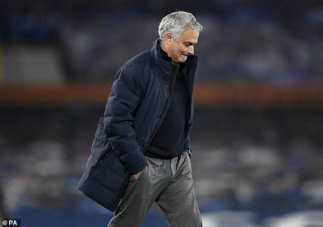 Mourinho bỏ túi gần 2.500 tỉ đồng vì bị... sa thải - ảnh 3