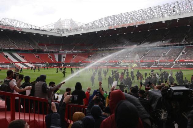 Chốt lịch đá lại trận MU - Liverpool: Solskjaer đau đầu - ảnh 1