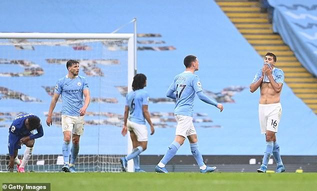 Man City lỡ cơ hội vô địch, Guardiola trách trọng tài và VAR - ảnh 5
