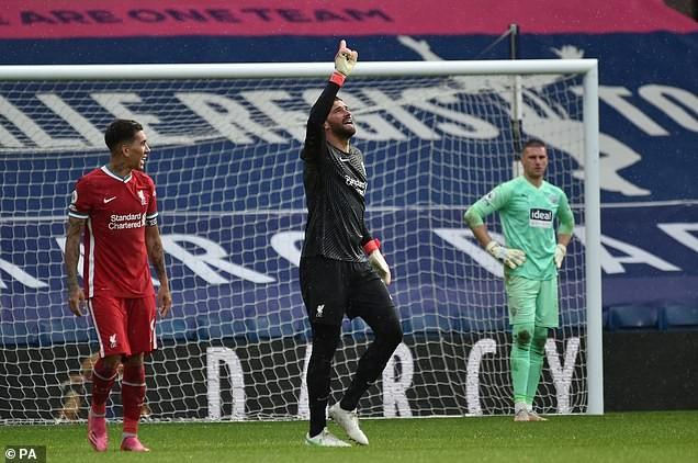Thủ môn Alisson nói gì khi ghi bàn lịch sử cho Liverpool? - ảnh 5