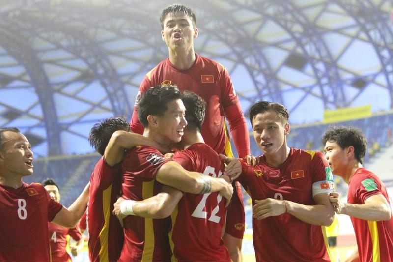 Hạ Malaysia kịch tính, Việt Nam tiến sát giấc mơ World Cup - ảnh 1