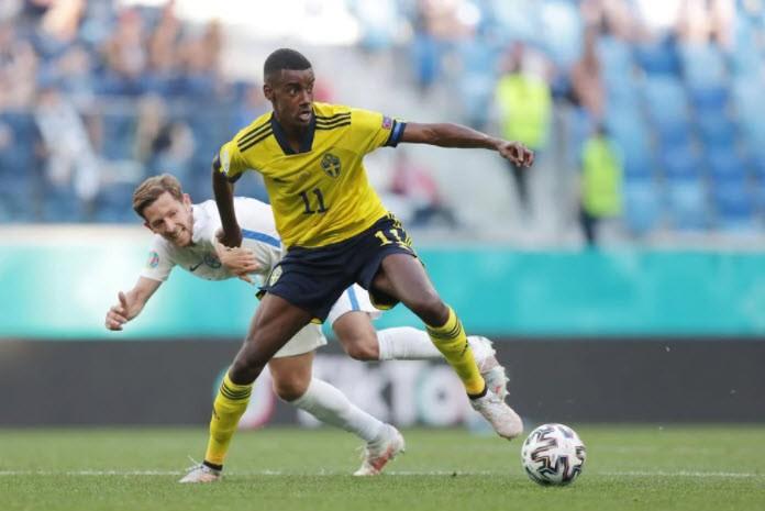 Quả phạt đền định đoạt kết quả trận Thụy Điển - Slovakia - ảnh 3