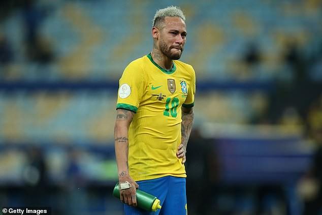 Vừa khóc xong, Neymar tươi cười dựa đầu vào vai Messi - ảnh 2