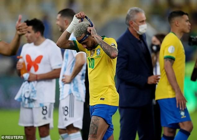 Vừa khóc xong, Neymar tươi cười dựa đầu vào vai Messi - ảnh 3