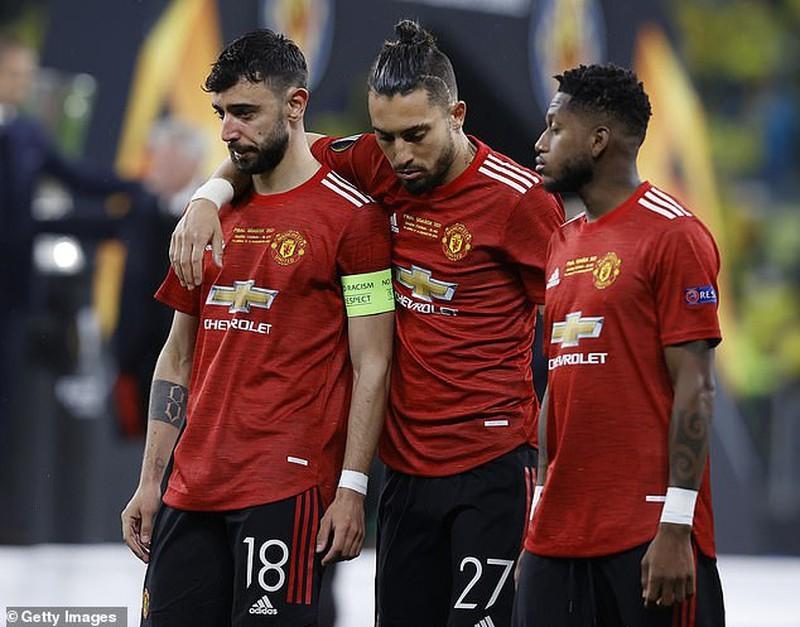 Manchester United và Newcastle bị điều tra - ảnh 4