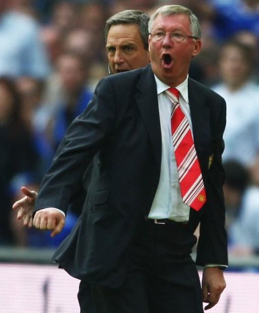 Sir Alex Ferguson mắc sai lầm, chửi thề vì cặp song sinh - ảnh 4