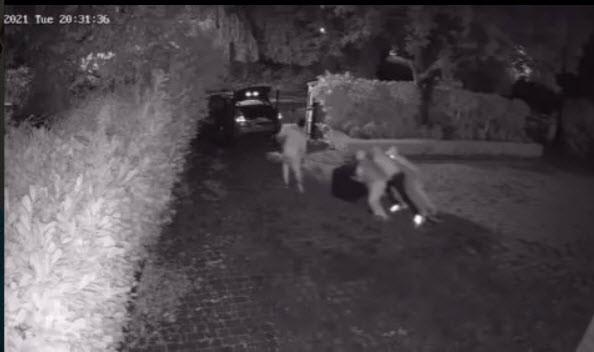 Sao Chelsea tung video gây sốc bị trộm đột nhập - ảnh 6