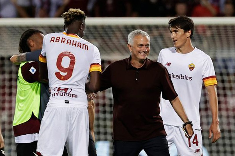 Khởi đầu bất thường của Jose Mourinho - ảnh 4