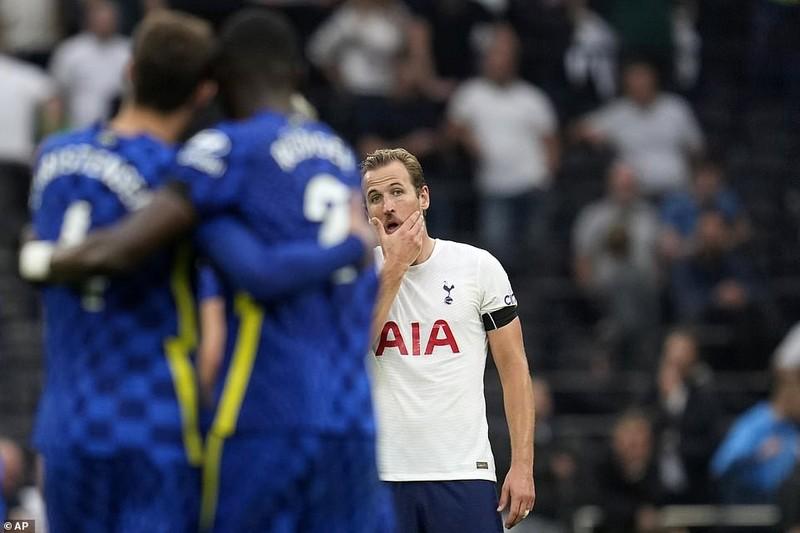 Hàng thủ 'lên đồng', Chelsea 'hủy diệt' Tottenham lên đỉnh Premier League - ảnh 2