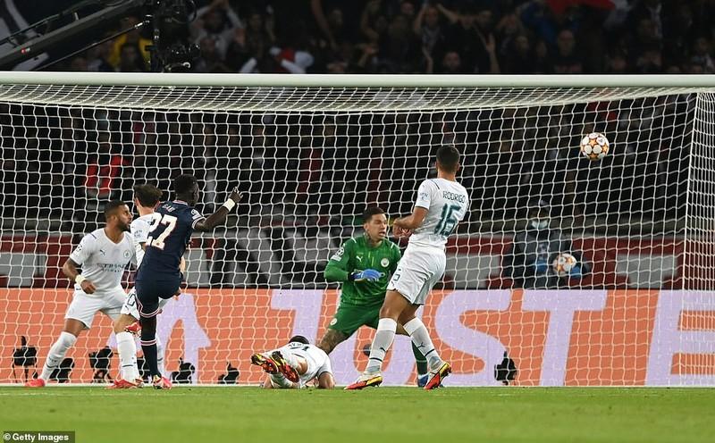 Messi khai hỏa bằng siêu phẩm, PSG hạ gục Man City - ảnh 2