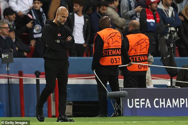 Man City thua PSG, Pep Guardiola vẫn ăn ngon, uống rượu vang - ảnh 3