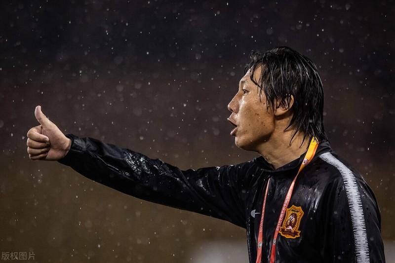 HLV Park Hang-seo nói tuyển Trung Quốc chỉ trụ được 30 phút, fan nổi giận - ảnh 3