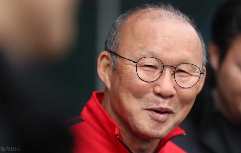 HLV Park Hang-seo nói tuyển Trung Quốc chỉ trụ được 30 phút, fan nổi giận - ảnh 2