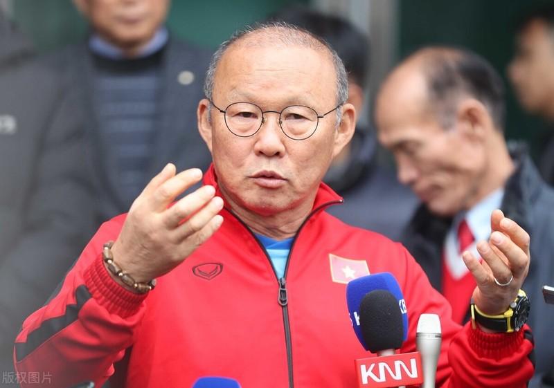 HLV Park Hang-seo nói tuyển Trung Quốc chỉ trụ được 30 phút, fan nổi giận - ảnh 4