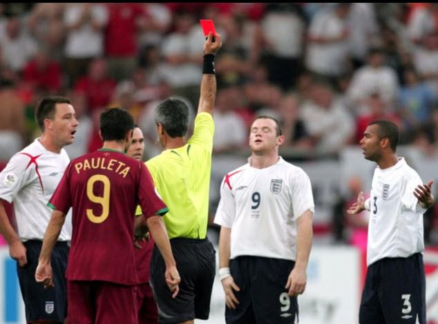 Sir Alex tiết lộ về cái nháy mắt của Ronaldo khiến đồng đội nhận thẻ đỏ - ảnh 3