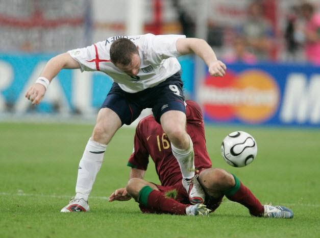Sir Alex tiết lộ về cái nháy mắt của Ronaldo khiến đồng đội nhận thẻ đỏ - ảnh 2