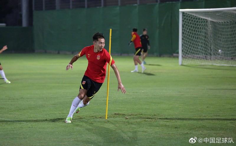 Trung Quốc muốn dựa vào chiều cao và 4 sao nhập tịch để thắng tuyển VN - ảnh 2