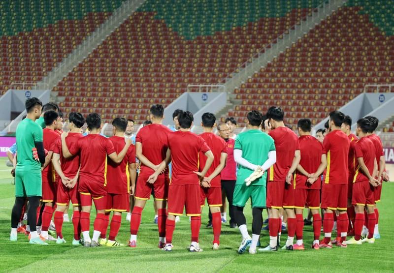 Hàng thủ liên tiếp sai lầm, tuyển Việt Nam thua ngược Oman, - ảnh 33