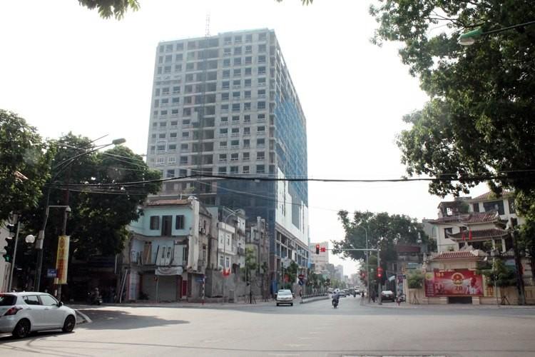 Hà Nội: Lại đồng ý cho cao ốc 8B Lê Trực tự 'cắt ngọn' - ảnh 3